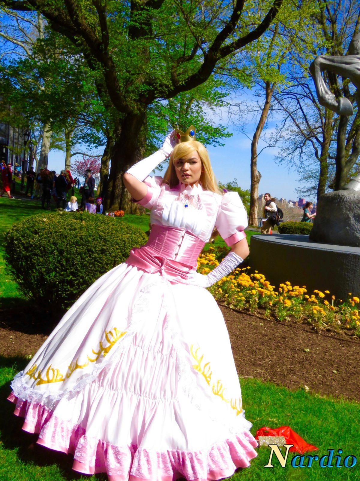 Queen Kirlia Cosplay Main