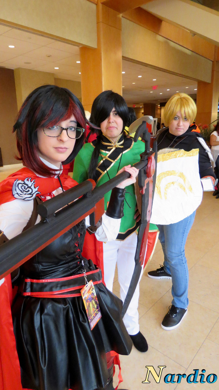 rwby-cosplay-group-derpycon-2016-001