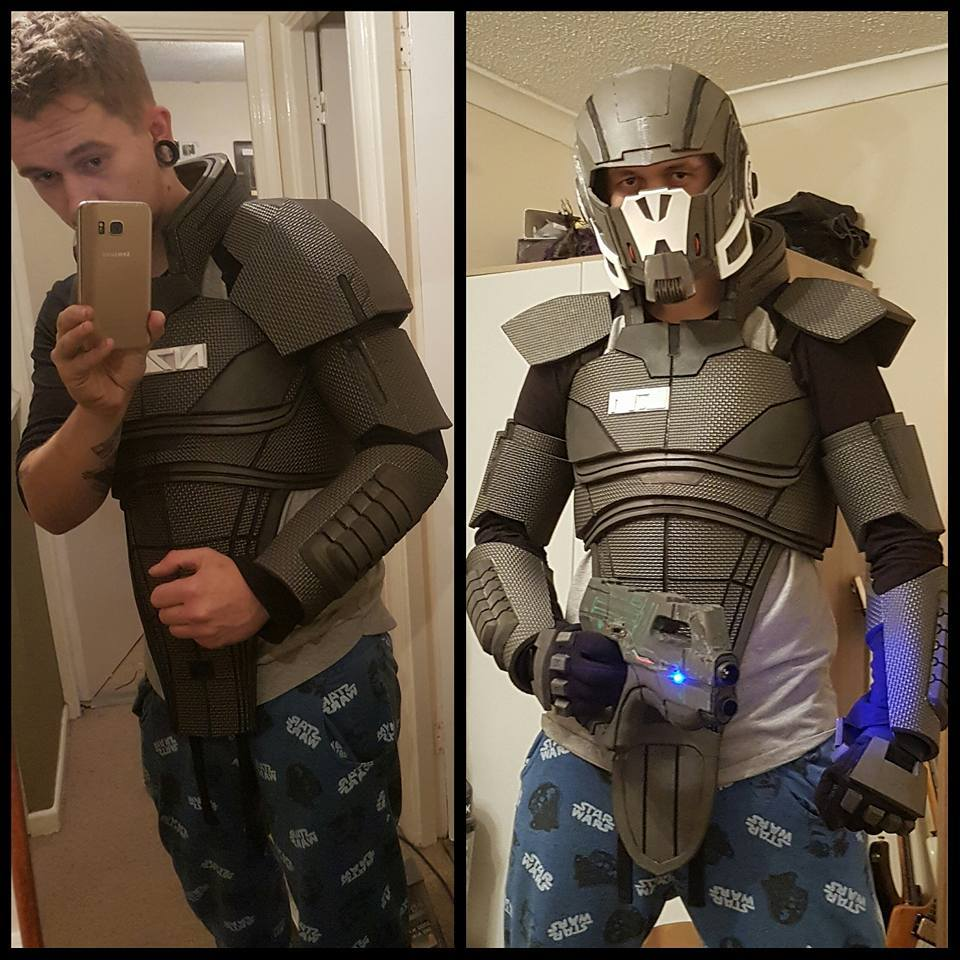 Alex Cosplay N7 Armor 005