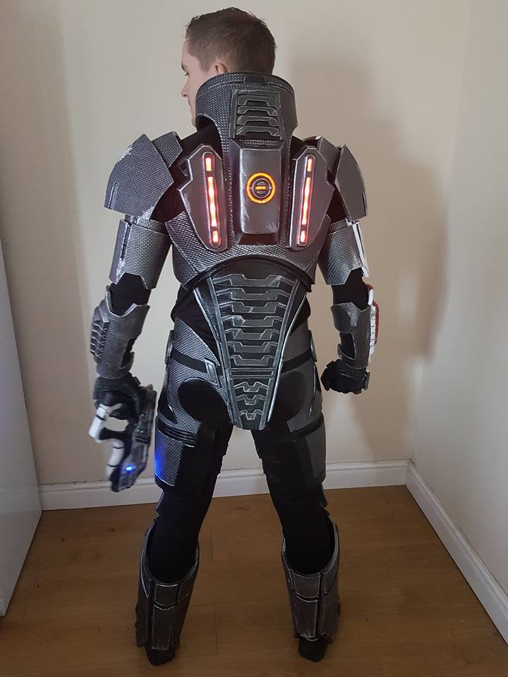 Alex Cosplay N7 Armor 006