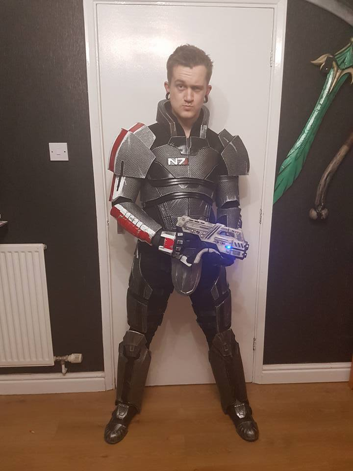 Alex Cosplay N7 Armor 007