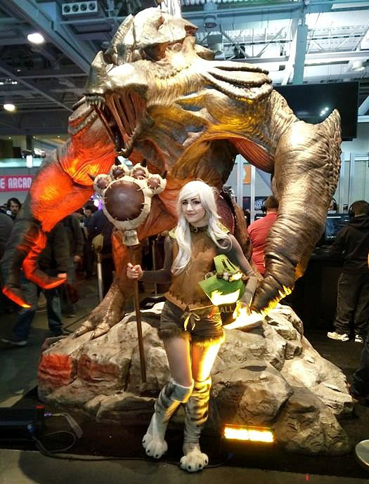 Palico Luxlo Cosplay with Pax Statue