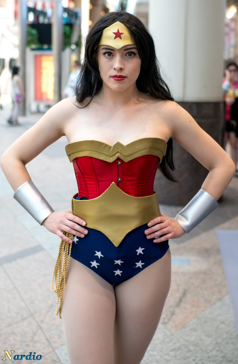 Kyandehime As Wonder Woman at AnimeNext 2017