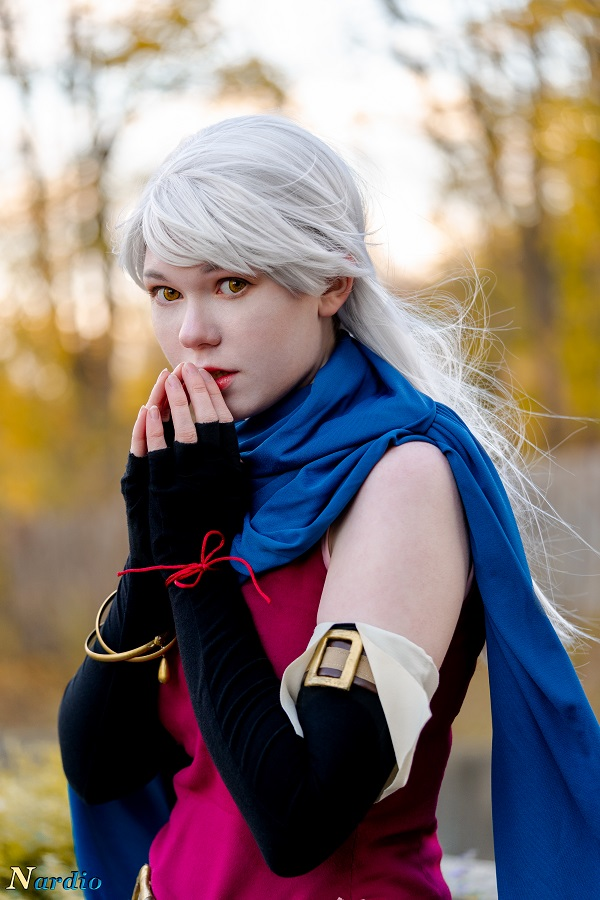 Micaiah Fall Cosplay 001